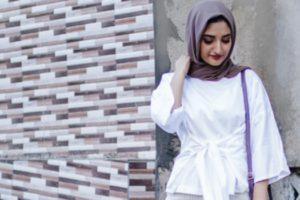 8 Padu Padan Warna Jilbab Polos yang Cocok Digandengkan dengan Baju Putih